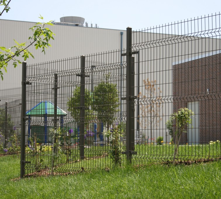 Des Moines Fence Company - Woven & Welded Wire Fencing, 1237 Omega