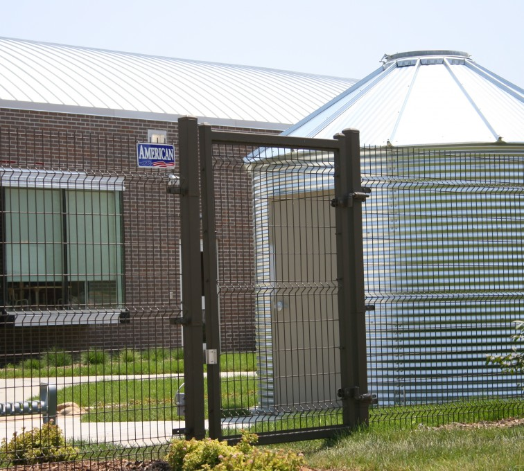 Des Moines Fence Company - Woven & Welded Wire Fencing, 1239 Omega