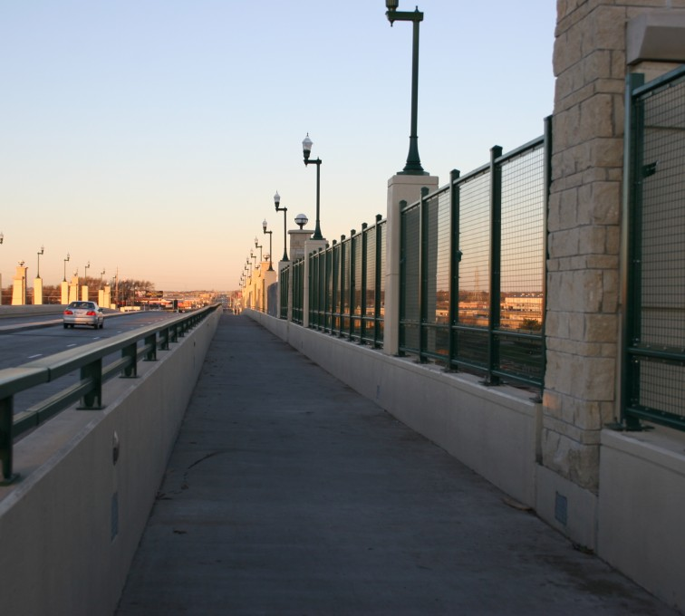 Des Moines Fence Company - Woven & Welded Wire Fencing